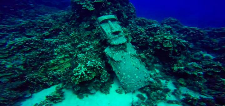 Moai bajo el agua
