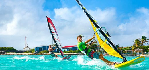 practicar windsurfing en el caribe